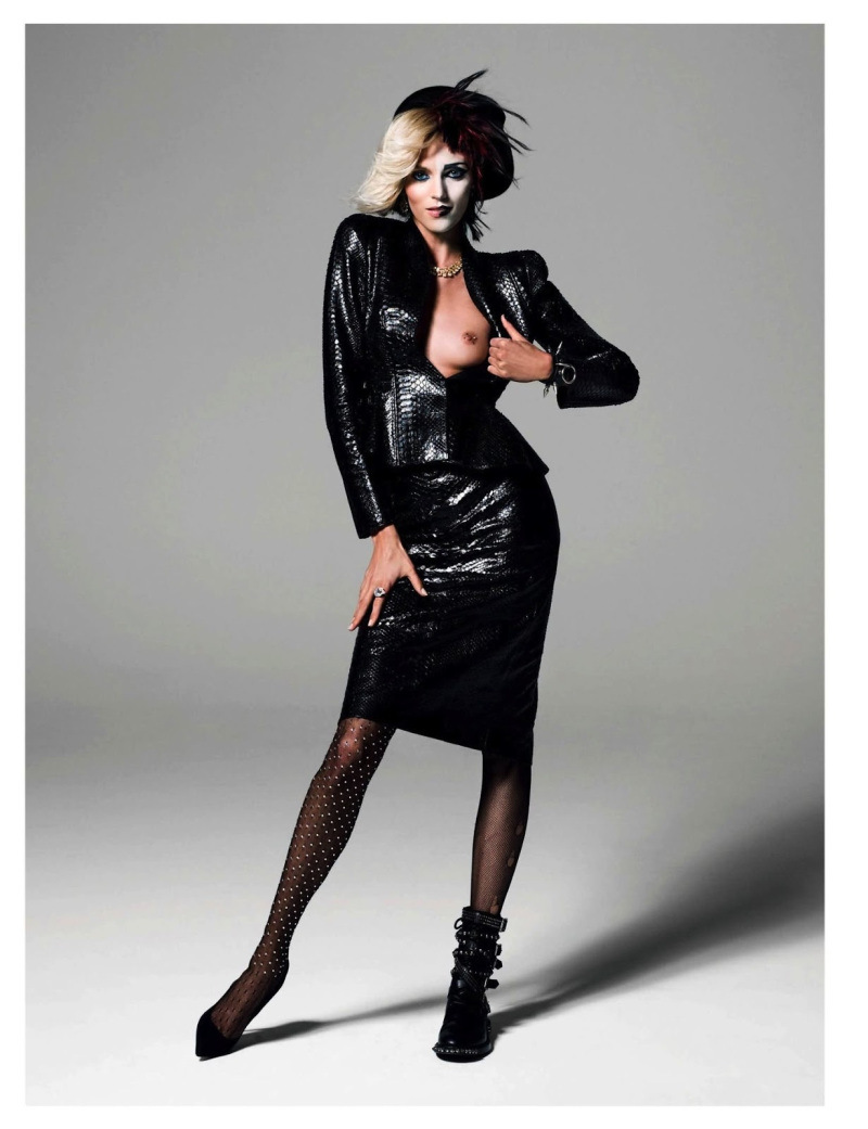 anja-rubik-by-inez-vinoodh-for-vogue-paris-august-2013-4