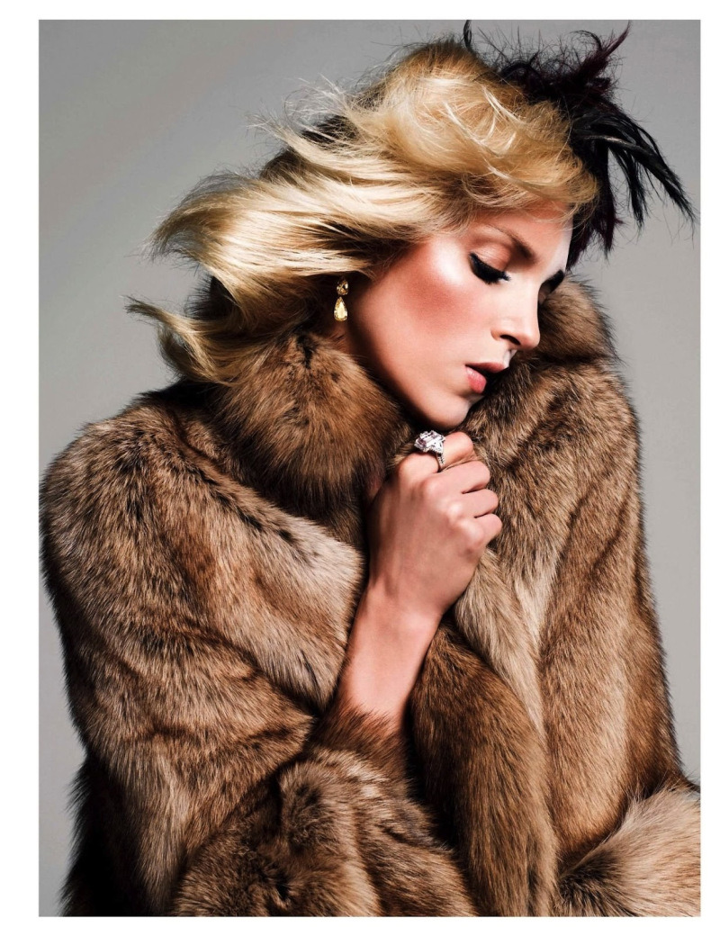 anja-rubik-by-inez-vinoodh-for-vogue-paris-august-2013-8